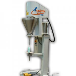 Semi automatic vertical filling machine with high speed auger for non free-flowing products. 30 l load hopper with bridge-breaker device.